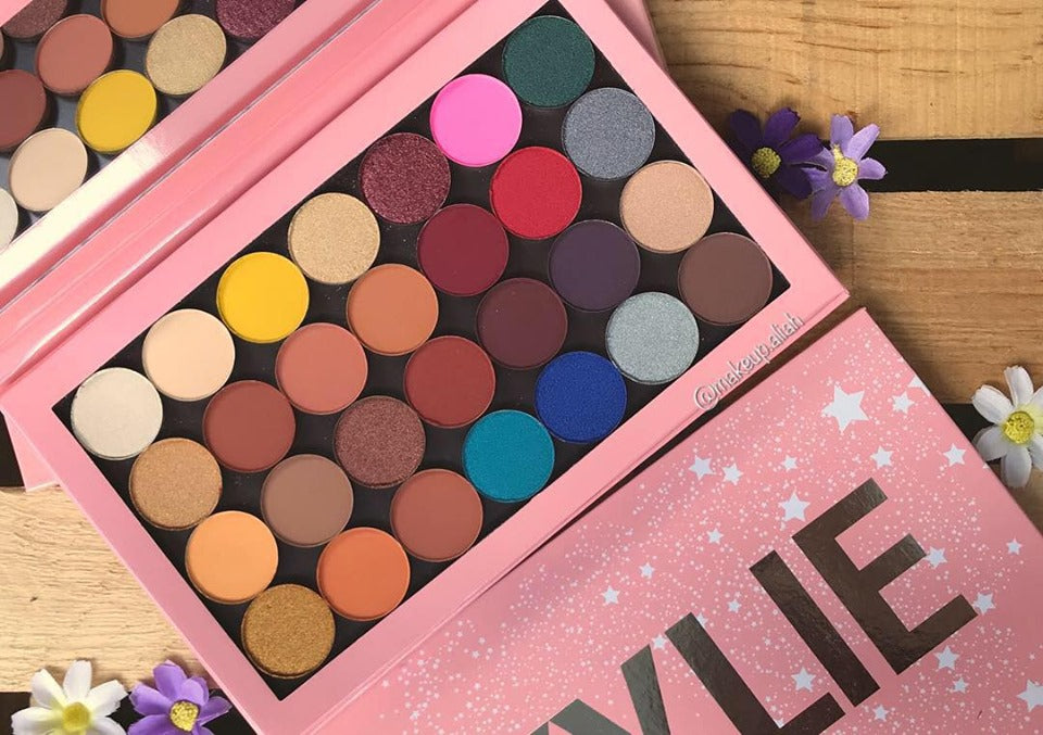 New KYLIE JENNER ONE OPEN PALETTE