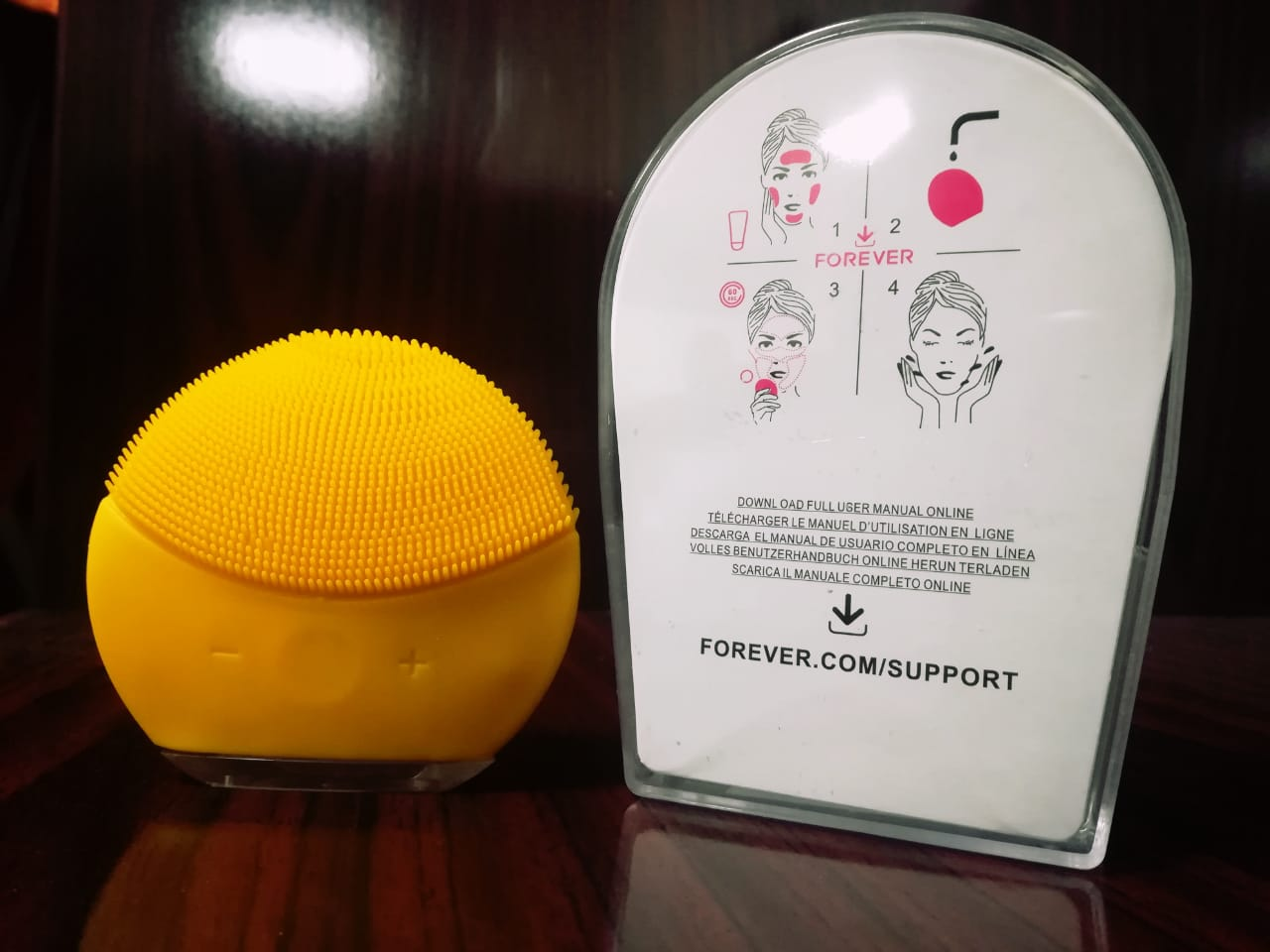 Rechargeable Electric face cleanser