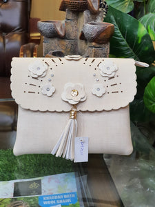 Beautiful Clutch  011