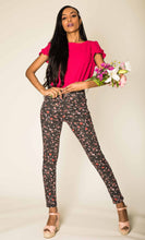 Load image into Gallery viewer, Wholesale Black Floral Jeans