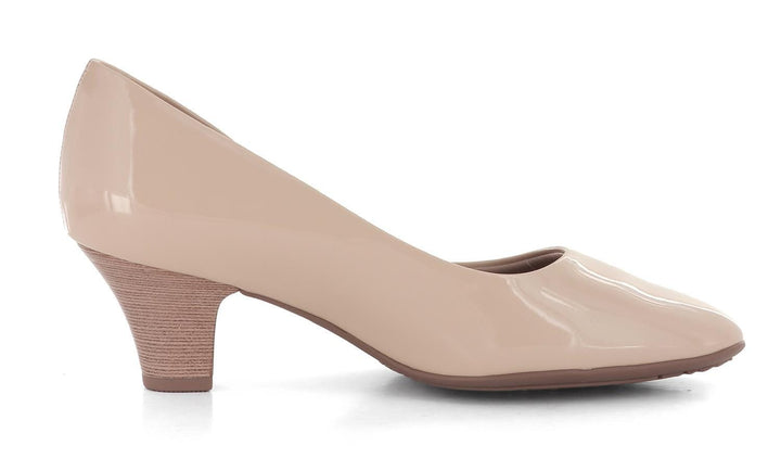 Piccadilly Pumps Klassisk pumps Beige Lakk Sapatos