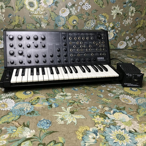 Synthesizers / Keys