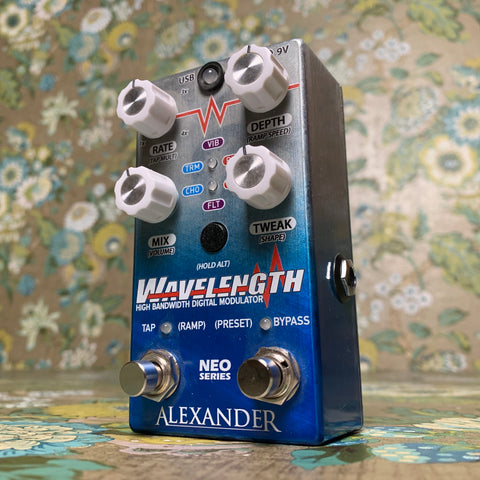 Alexander Wavelength High Bandwidth Digital Modulator Neo Series