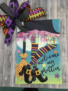 """Welcome My Pretties"" Witches Legs Flag and Bow"