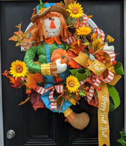 "Scarecrow 'Happy Fall Y'all"" Wreath"