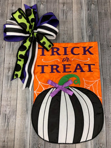 Trick & Treat with Black & White Pumpkin Flag & Bow
