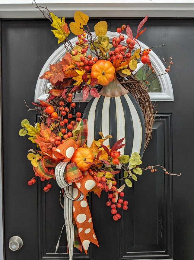 Black & White Fall Pumpkin Wreath
