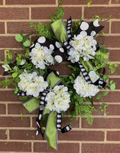 Load image into Gallery viewer, Hydrangea Greenery Grapevine Wreath Kit