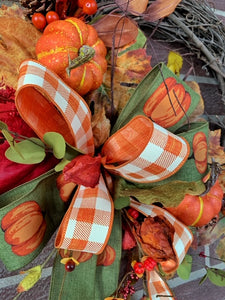 Traditional Pumpkin Grapevine Wreath