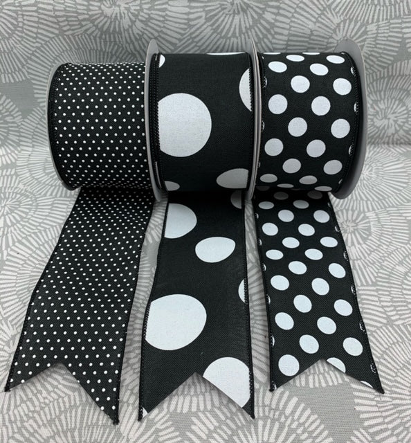 Black and White Dot Set