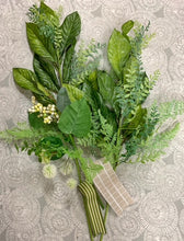 Load image into Gallery viewer, Greenery Foliage Wreath Kit
