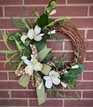 Load image into Gallery viewer, Magnolia Eucalyptus WREATH Kit
