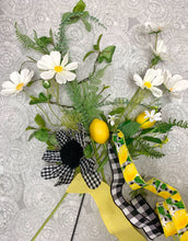 Load image into Gallery viewer, Gingham Lemon Wreath Kit