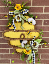 Load image into Gallery viewer, Bee Hive Hanger Kit