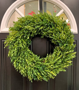 "18"" Tea Leaf Boxwood Greenery Wreath"