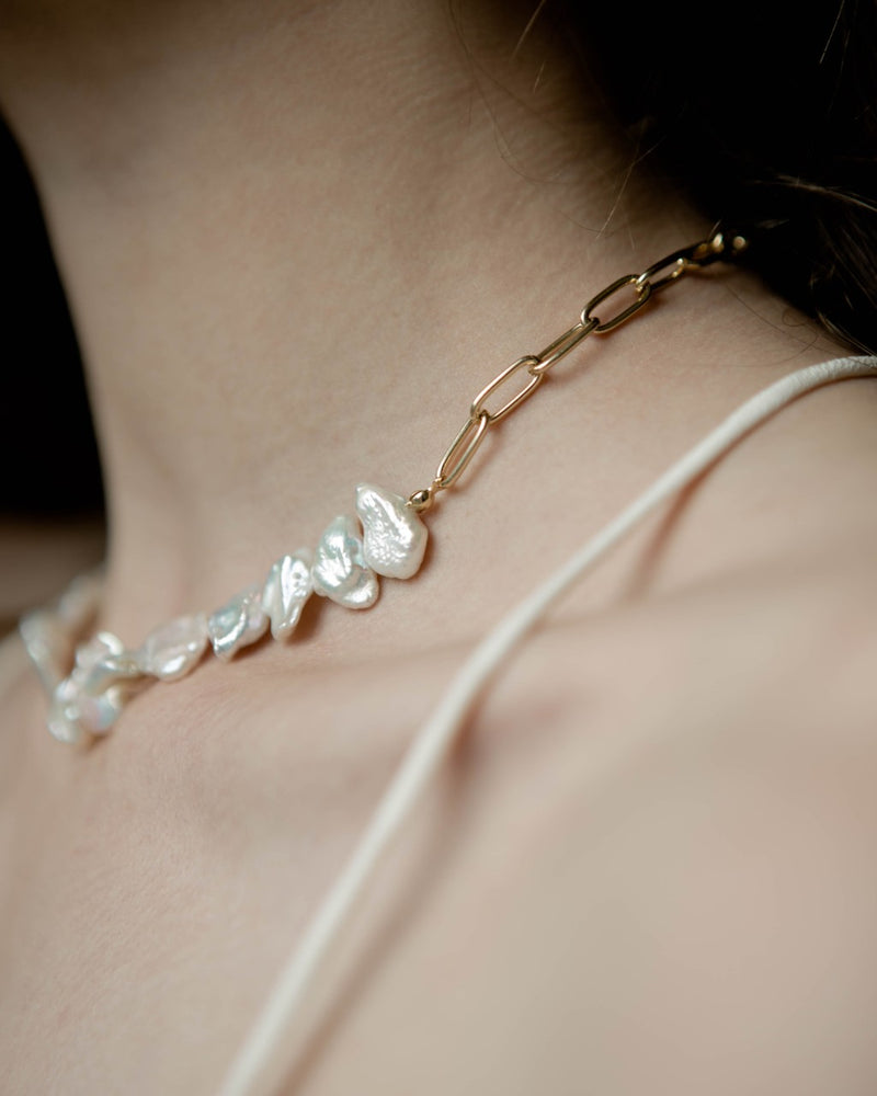 Azalea Pearl Necklace