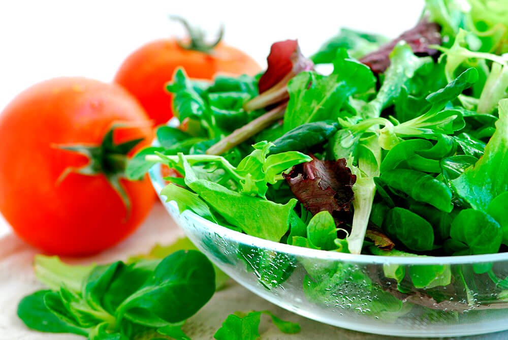 salad-with-tomatoes