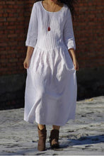 Load image into Gallery viewer, Long linen skirt with full waist and seven minute sleeves 190229