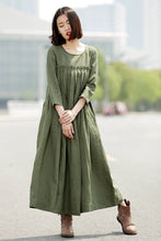 Load image into Gallery viewer, Green Linen Dress, linen dress, long linen dress, Pleated dress, loose linen dress, womens dresses, dress with pockets, plus size dress C358