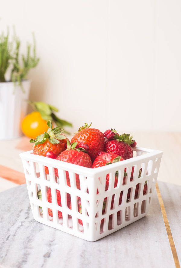 Roost Farmer's Market Strawberry Basket