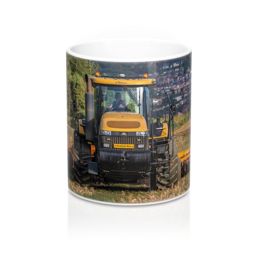 Collectors Printed Tractor Mug 11oz Cat Challenger MT865C Cultivating