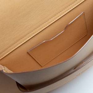 THE REGULAR light tan 'blonde' leather Pioneer Tote bag. Inside view of front pocket showing credit card pocket.