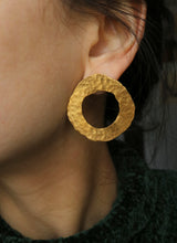Load image into Gallery viewer, Boucles d'oreilles Olympia