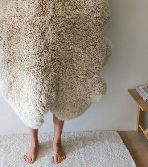All You Need to Know About Sheepskin Throws