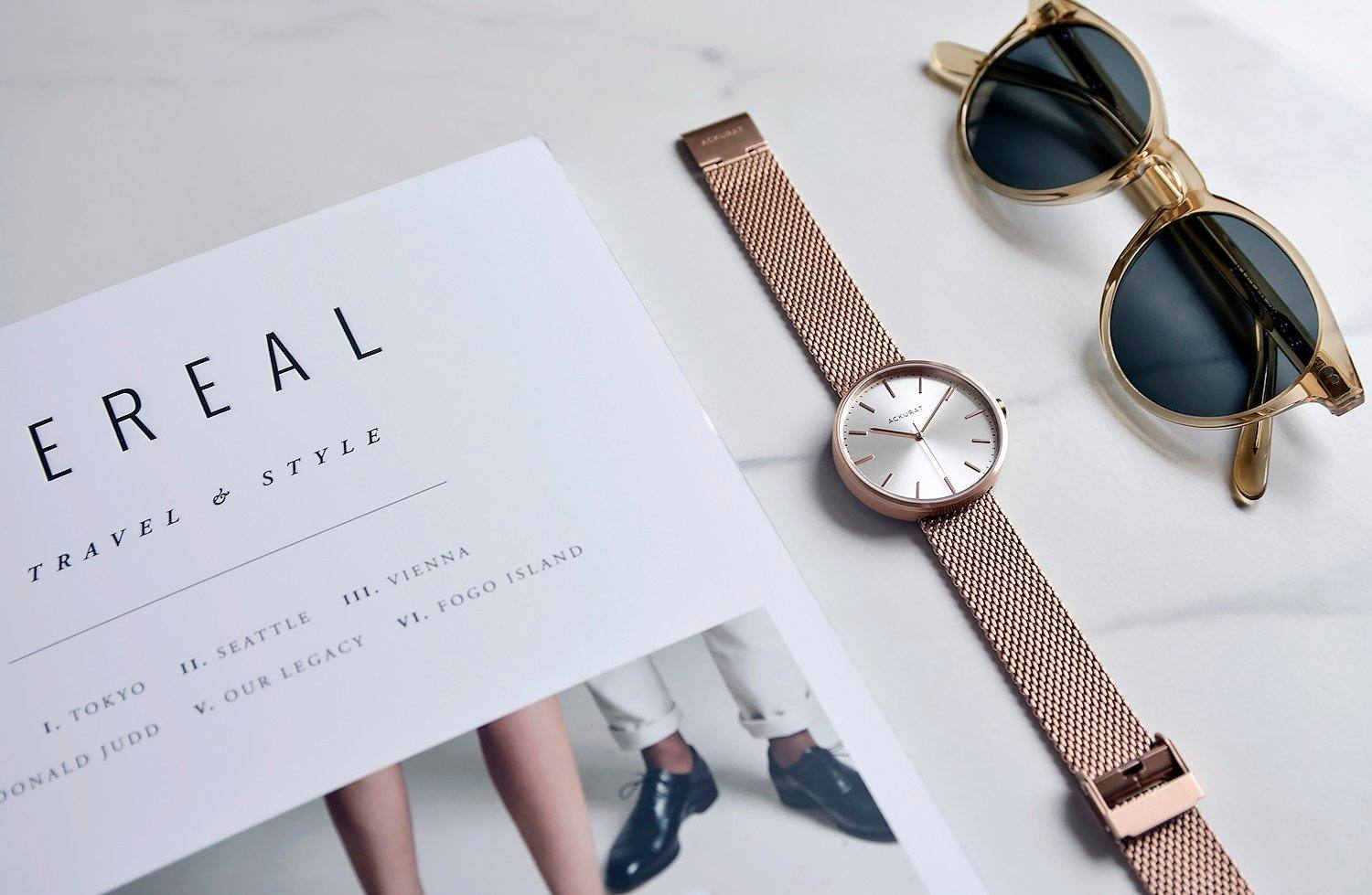 Womens minimalist watch in rosé gold