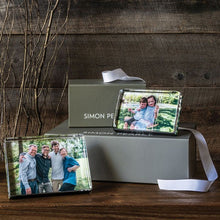 Load image into Gallery viewer, Simon Pearce Woodbury Horizontal Photo Block, 5ʺ X 7ʺ (Gift Boxed)