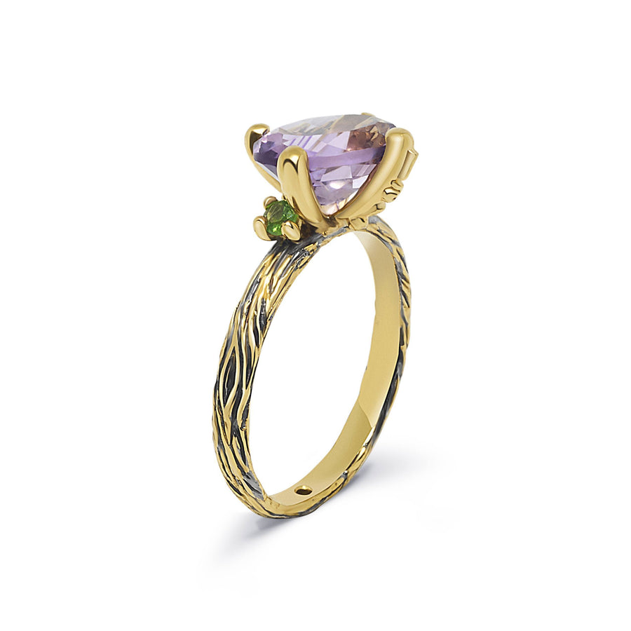 Wood Unique Ring with Amethyst & Emerald