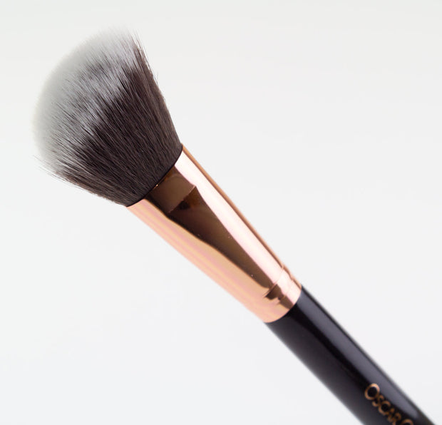 Oscar Charles 103 Angled Blush Makeup Brush