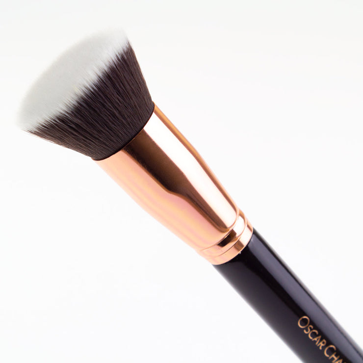 Oscar Charles 104 Flat Top Kabuki Makeup Brush