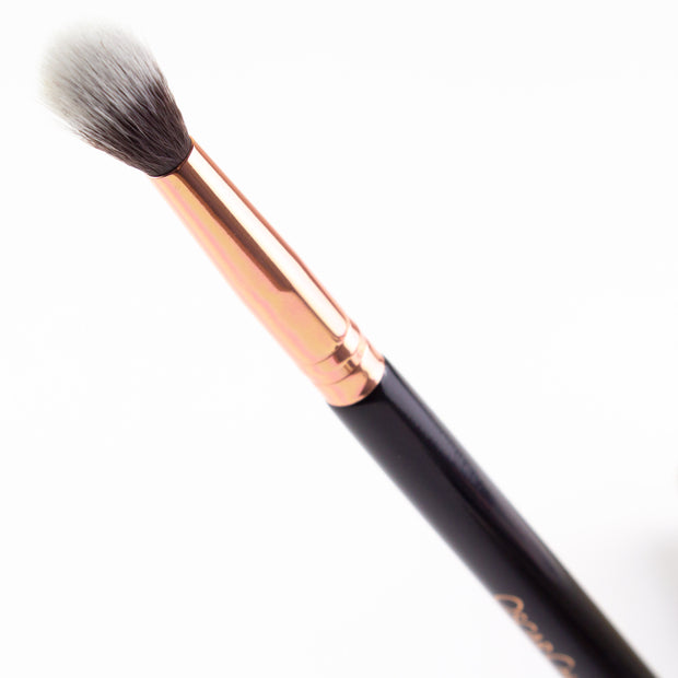 Oscar Charles 108 Large Blending Makeup Brush 3D View of Top of Make-up Brush