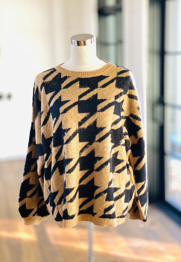 CAMEL HOUNDSTOOTH SWEATER