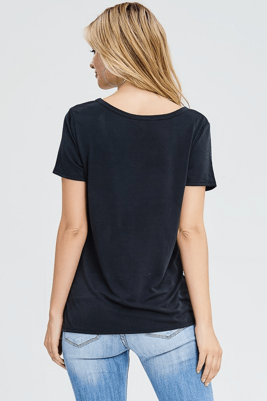 SIMPLE BLACK FRONT KNOT TOP