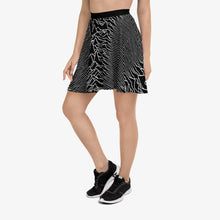 Load image into Gallery viewer, Pulsar 1919 Skater Skirt in Black