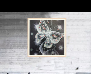 30 x 30 diamond painting (rhinestone) - black and red butterfly DZ016