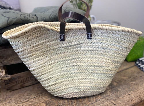 Short Dark Single Handle Basket