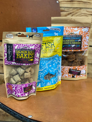 Fishy treat selection pack from Green & Wilds