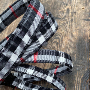 "Grey & red ""city check' collar & leads"