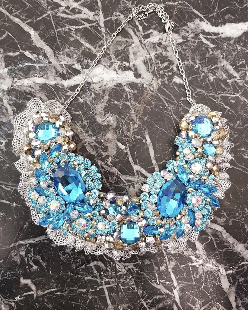 Small Collar - Aqua & Silver with Silver Lace