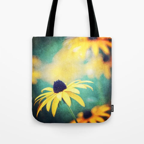 トートバッグ black eyed susan by Sylvia Cook Photography