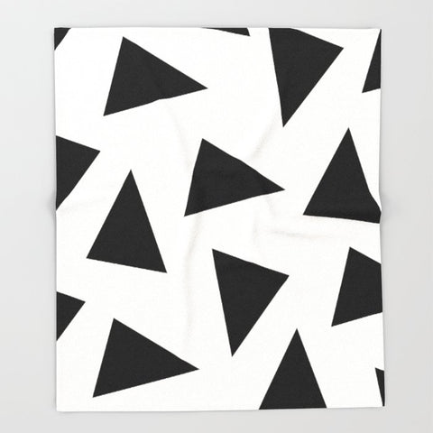 ブランケット black triangle pattern II by Georgiana Paraschiv