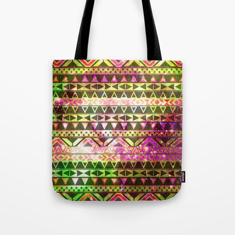 トートバッグ Girly Andes Aztec Pattern Gold Green Nebula Galaxy by Girly Trend