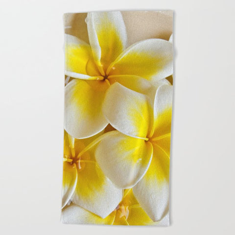 タオル Plumeria Blossoms by Around The Island (Robin Epstein)