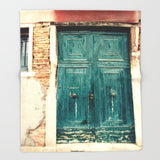 ブランケット Turquoise Door in Venice by Erin Johnson