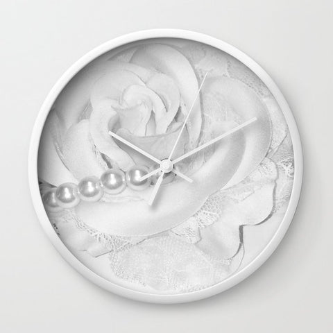 壁掛け時計 Vintage Monochrome Rose Flower Pearl
