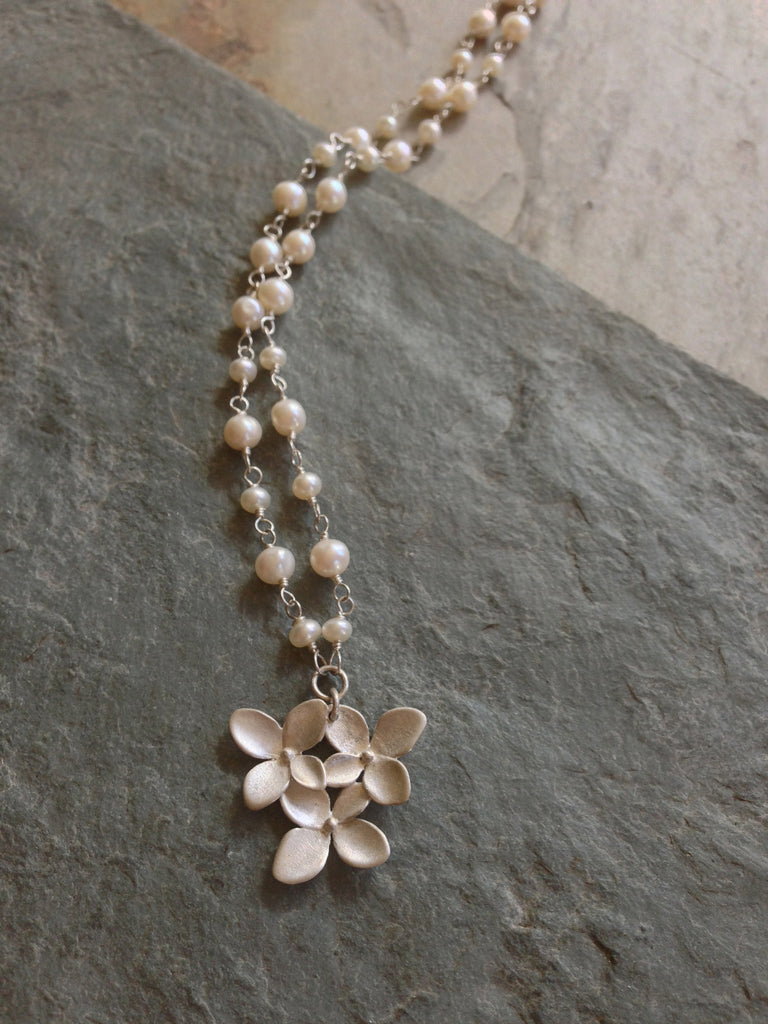Hydrangea Cluster Full-Round Woven Necklace