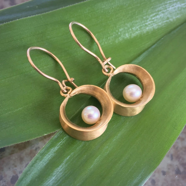 Willow Hoop Gold Earrings with Pearl - InBloomJewelry
